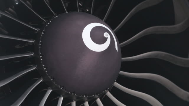 Close-up turbine engine