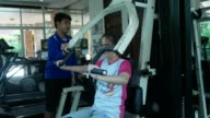 coach take care girl pumps muscles on simulato
