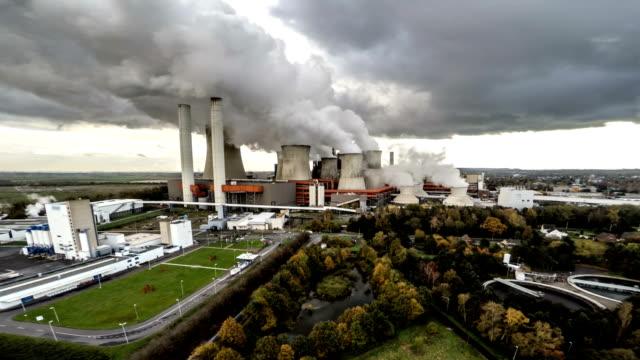 LUFTAUFNAHME:  Kohle gefeuerten Kraftwerk