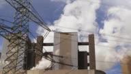 Coal Power Plant und elektrische Pylon (4:2: 2 @100 Mbit/s)