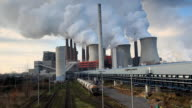 Coal-Kraftwerk mit dem Terminal