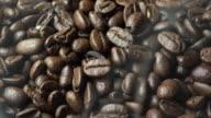 Kaffeebohne mit Rauch
