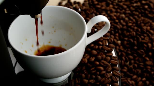 Kaffeemaschine in der Nähe