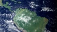 Kolumbien poppt nach Erde zoom (mit alpha-matte)