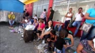 Colombians continue to leave Venezuela in border state of Tachira