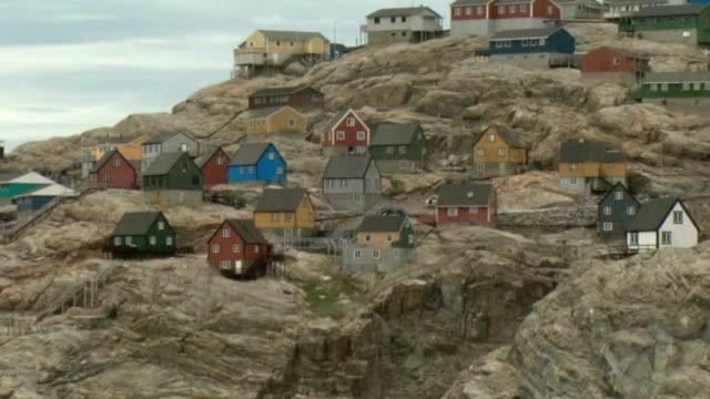 WS PAN Colorful houses on rocky coast, Uummannaq, Greenland