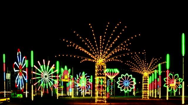 Altalena di colore Neon fluorescente Park Time Lapse
