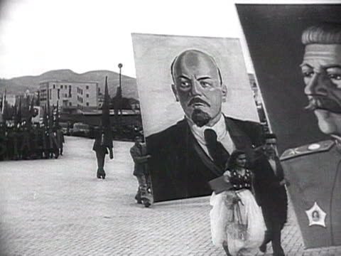 WS Communist parade in Albania with Lenin and Stalin's posters AUDIO / Albania