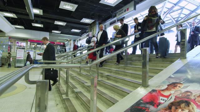 WS Commuters walking / Liverpool Street Underground Station, London, England, United Kingdom