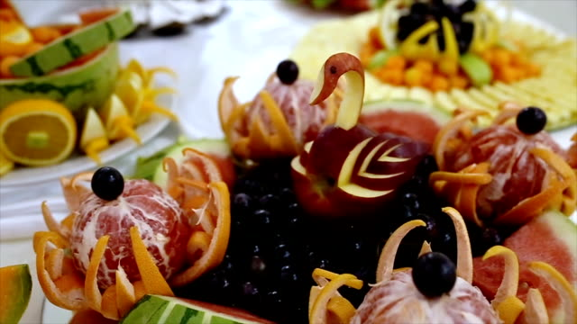 Compositions of fresh fruit, refreshing and healthy