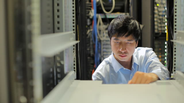 MS PAN Computer technician working in server room / Vancouver, BC, Canada