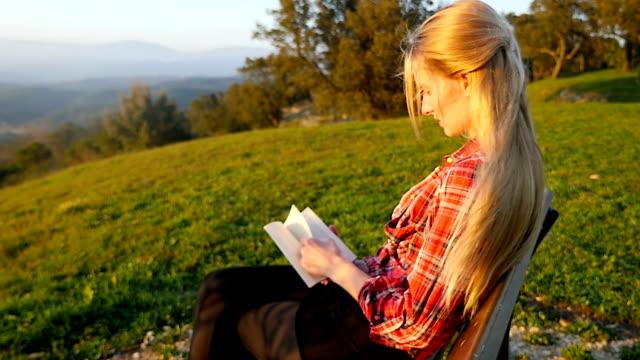 Geconcentreerd in het boek lezen