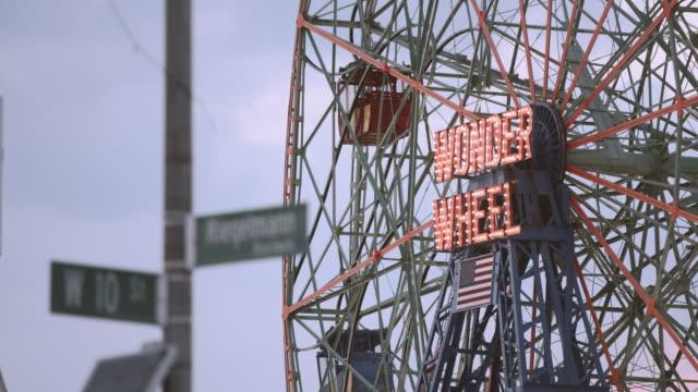 Coney Island Ferris Wheel - establishing shot - closeup - 4k