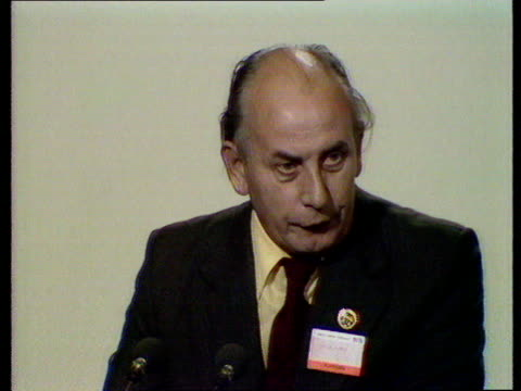 Bill Keys speech ENGLAND East Sussex Brighton CS Bill Keys on podium Gen Sec Society of Graphical and Allied Trades SOF 'Would submit to Congress...