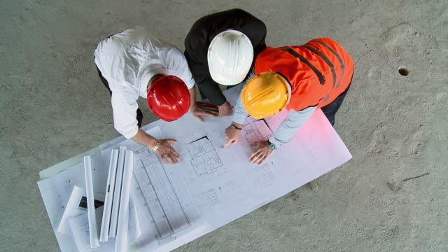 HD CRANE: Construction Professionals