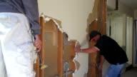 Operaio edile Demolire una parete