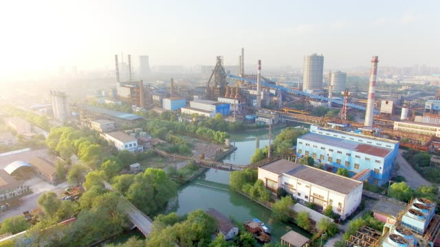 Konstruktionen und Anlagen der Stahlfabrik