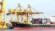 Container Cargo Fracht versenden