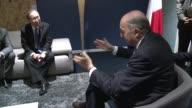 A contrarreloj los negociadores por un acuerdo sobre el clima en Paris buscaban el jueves superar discrepancias persistentes en temas de financiacion...