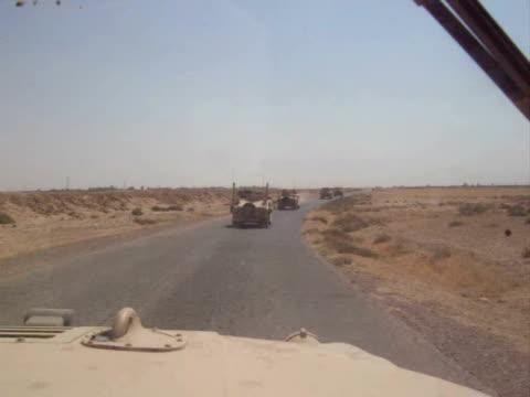 Convoglio di noi esercito Humvees nell'Iraq settentrionale