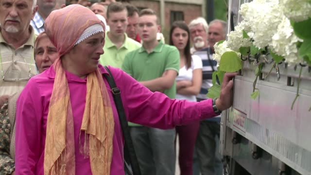 A convoy taking the coffins with the remains of 136 newly identified Srebrenica victims left from Visoko Thursday for the eastern Bosnian town of...