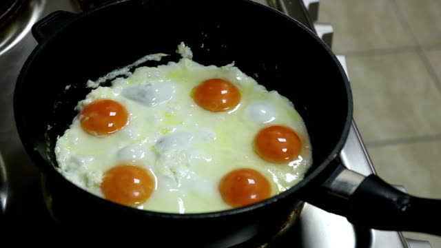 Cooking eggs timelapse video