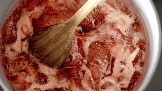 Marmellata di fragole e cucina-Primo piano