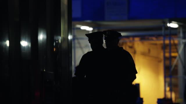 Cop - Silhouette