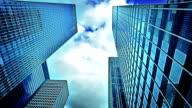 Corporate-Gebäude und sky