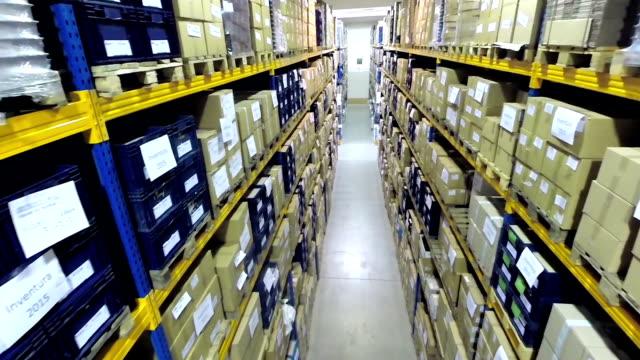 Corridor van industriële opslag kamer