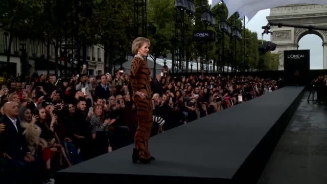 Cosmetics giant l'Oreal Paris organized on Sunday its first open air catwalk on the emblematic ChampsElysees in the French capital adding its touch...