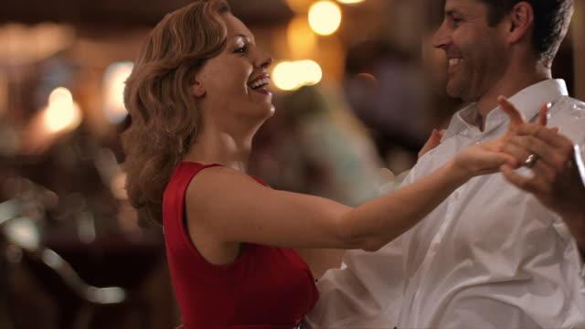 Što biste radili s osobom iznad, prikaži slikom - Page 6 Couple-dancing-on-street-in-townmarbella-region-spain-video-id132044894?s=640x640