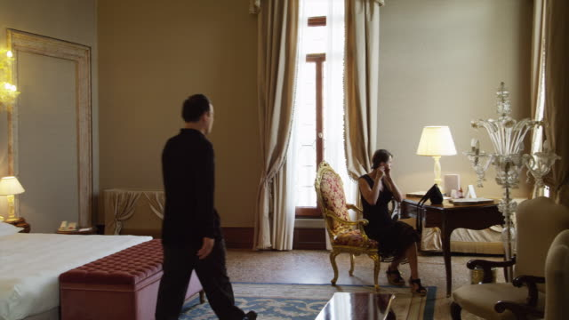 WS PAN Couple leaving hotel room / Venice,Veneto