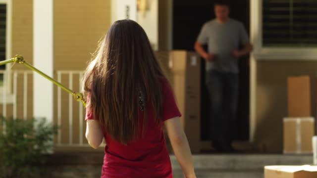MS PAN Couple moving into house / Provo, Utah, USA