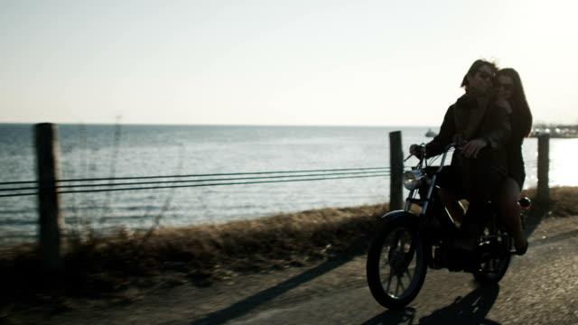 Coppia biciclette equitazione motore