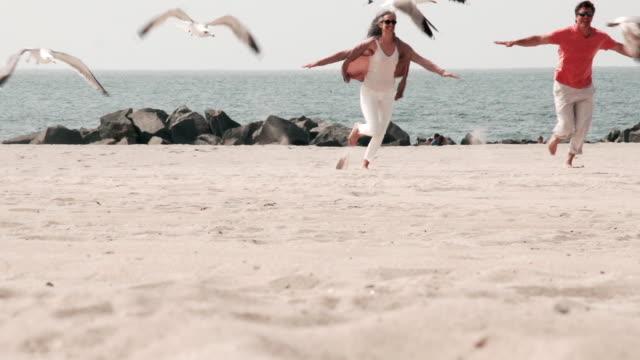 MONTAGE - Couple LA Venice California Beach