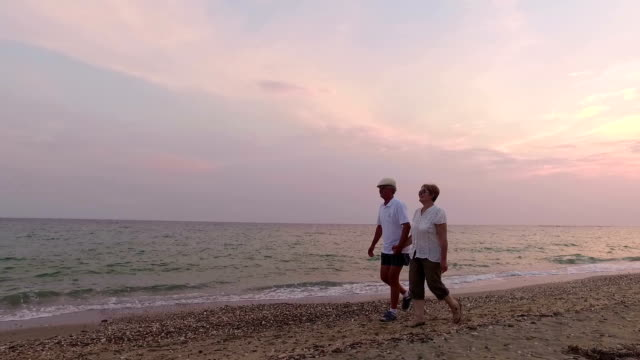 Couple walking. Slow motion