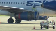 WGN Cowling of engine comes off a Airbus A319 A Spirit Airline Flight had to return to O'Hare airport after the cover for one of the engines fell off...