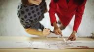 Creative architetto donne al lavoro
