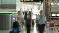 Crowd traveller escalator at the Airport, 4k(UHD)
