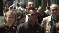Crowded street / San Francisco California USA / AUDIO