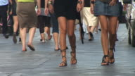 HD: Crowded Street
