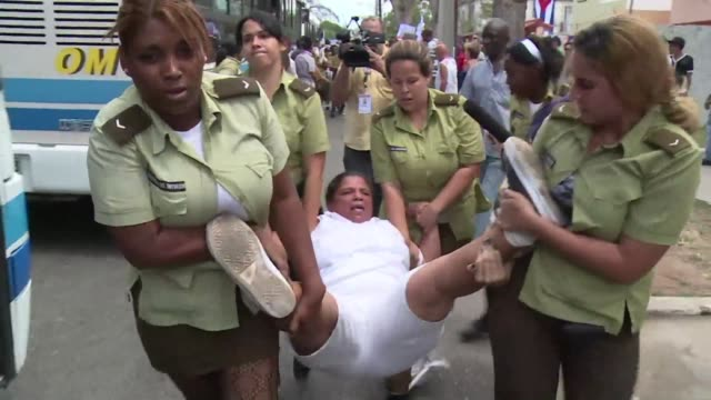 Cuban police arrested dozens of people protesting against the communist government Sunday in Havana just hours before US President Barack Obama was...
