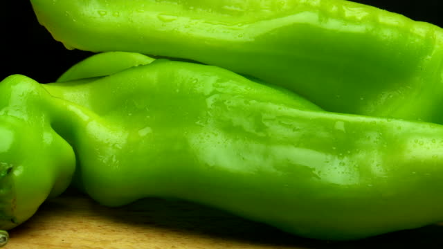 cubanelle green peppers