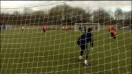 Third Round Sheffield Wednesday prepare to face Fulham ENGLAND South Yorkshire Sheffield EXT Brian Laws taking training Sheffield Wednesday players...