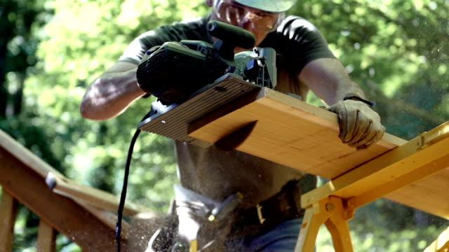 Schneiden Holz