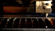 Schneiden Metall mit plasma laser