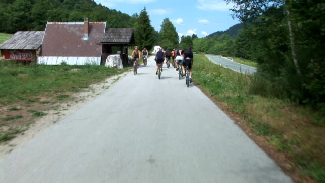 HD: Cycling In The Countryside