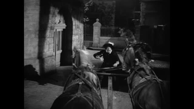 Cyrano De Bergerac (José Ferrer) is led into a trap