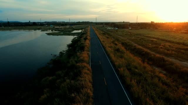 Dam road und Weiden